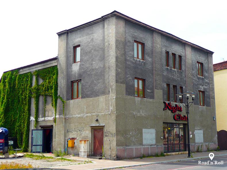 kino halka przy ulicy sienkiewicza w Tychach gdzie rysiek riedel oglądał westerny