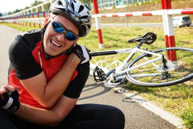 cycling shoulder injuries