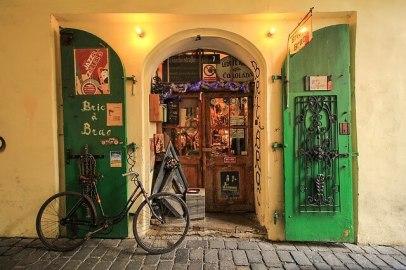 bike locking tips