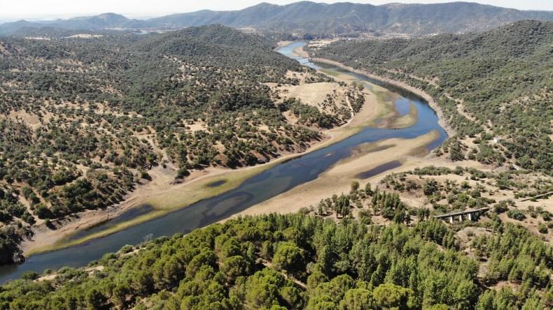 Sierra de los Puntales, pantano del Guadalmellato.