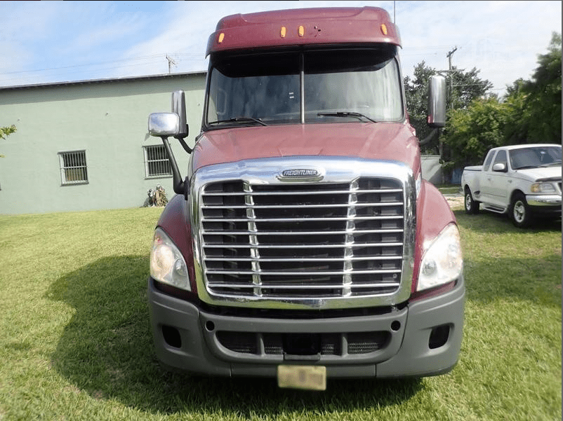 2019 Freightliner Cascadia Red