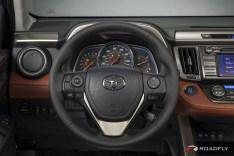 2015_Toyota_RAV4_Crossover.14