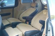 2015_KIA_Sedona_minivan.02