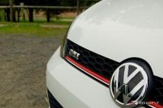2015_VW_Golf_GTI.02