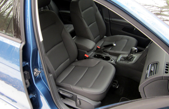2015-VW-Golf-SE