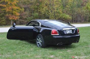 2016-Rolls_Royce_Wraith.29