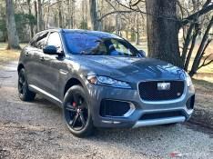 2017-Jaguar-F-Pace.03