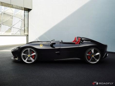 2019-Ferrari-Monza-SP1-SP2-04