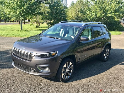2019-Jeep-Cherokee-Overland-09