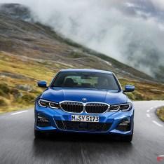 2019-BMW-3-Series-330i-330xi-08