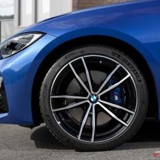 2019-BMW-3-Series-330i-330xi-27