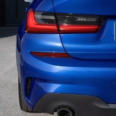 2019-BMW-3-Series-330i-330xi-28