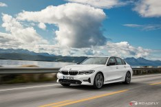 2019-BMW-3-Series-330i-330xi-43