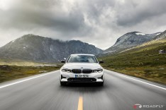 2019-BMW-3-Series-330i-330xi-46