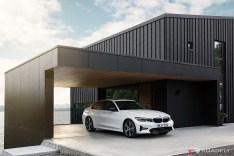2019-BMW-3-Series-330i-330xi-54
