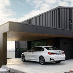 2019-BMW-3-Series-330i-330xi-55