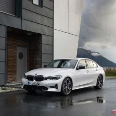 2019-BMW-3-Series-330i-330xi-63