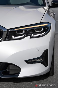 2019-BMW-3-Series-330i-330xi-71