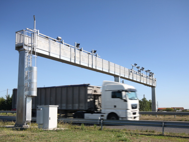 Une écotaxe poids lourds pour financer un plan Marshall pour les transports