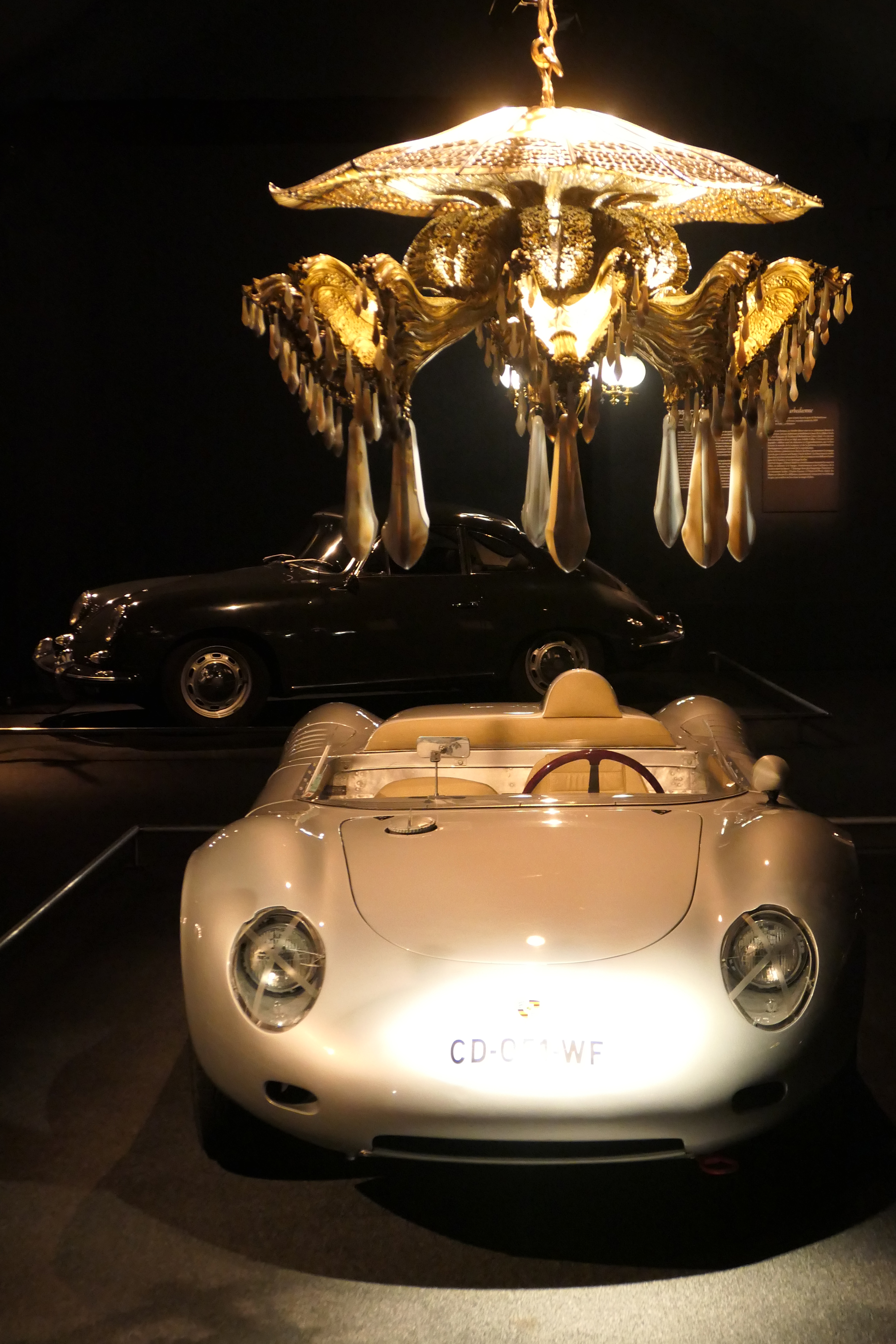 Porsche 718 RSK under the jellyfish chandelier exposition exhibition regis mathieu cite de l'automobile mulhouse collection schlumpf road rug cars roadrugcars brothers car voiture auto automobile vintage car super car hyper car