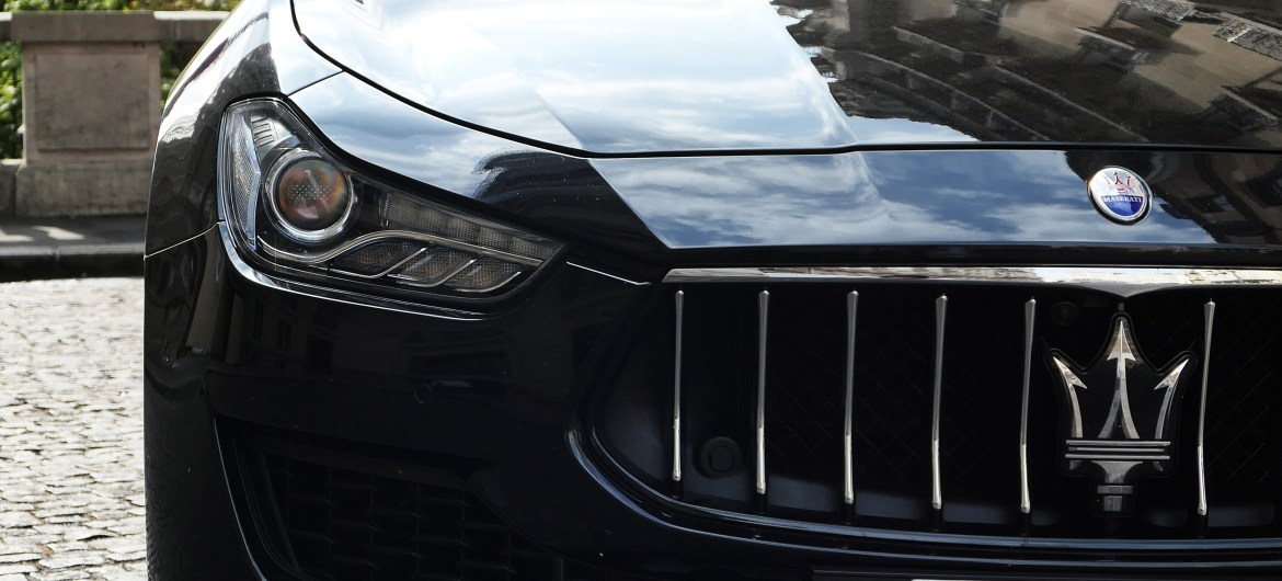 maserati new ghibli sq4 front grille road rug cars roadrugcars brothers car voiture auto automobile vintage car super car hyper car