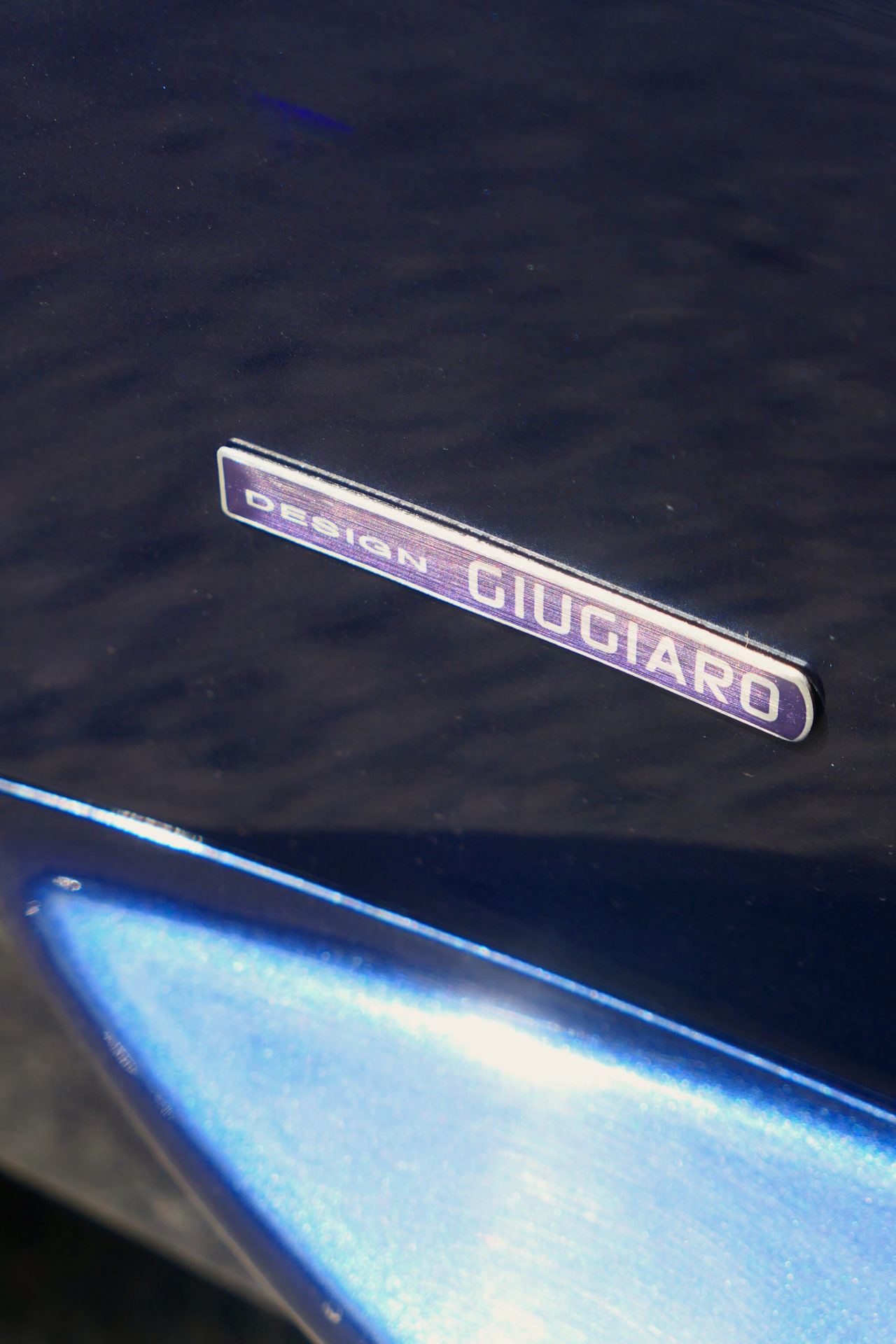 roadrugcars road rug cars maserati gransport spyder giugiaro design badge