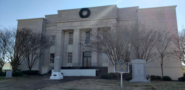 Lawrence County Courthouse, Moulton, Alabama