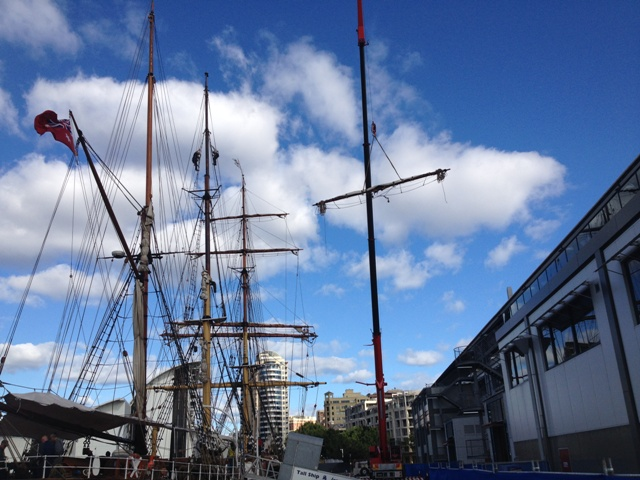 Removing mast from James Craig
