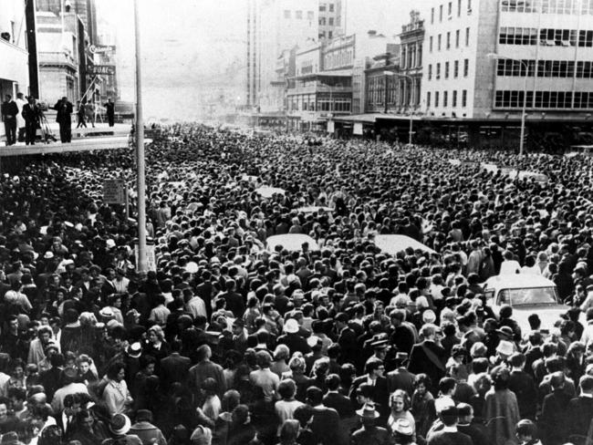 The Beatles in Adelaide - the scene in King William St