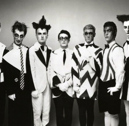 Walking down the Road; Split Enz in the U.K. 1976