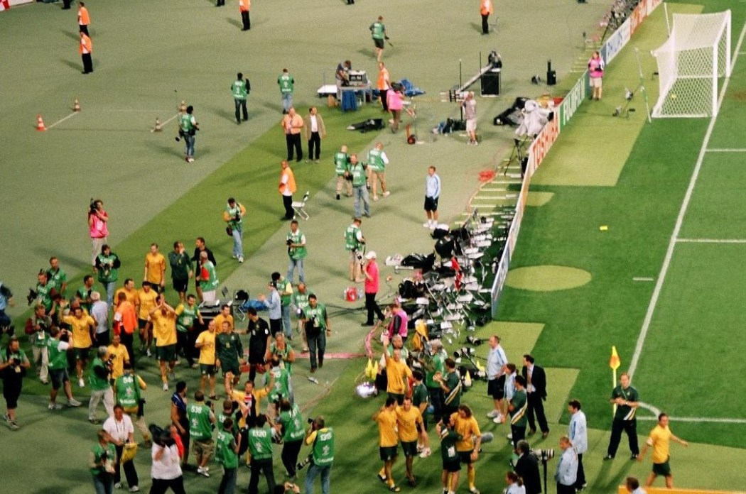 Socceroos salute the fans