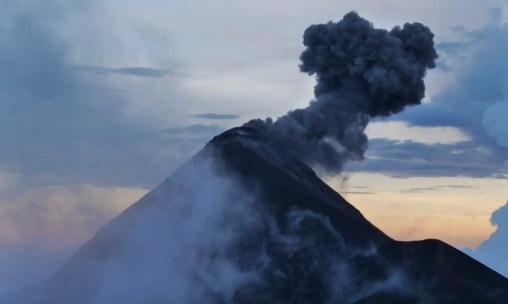 Ausbruch des Vulkan Fuego
