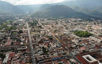 Antigua, Guatemala mit der Drohne