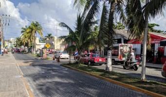Souvenirs Shopping an der Hauptstraße, Isla Mujeres