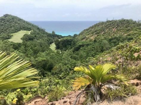 Aussichtspunkt auf der Wanderung zur Anse Georgette