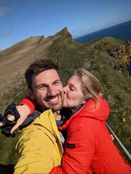 Westfjorde Island Látrabjarg Sabrina und Andreas