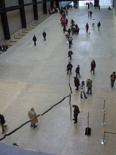 following-the-crack-tate-modern-london-november-2007.jpg