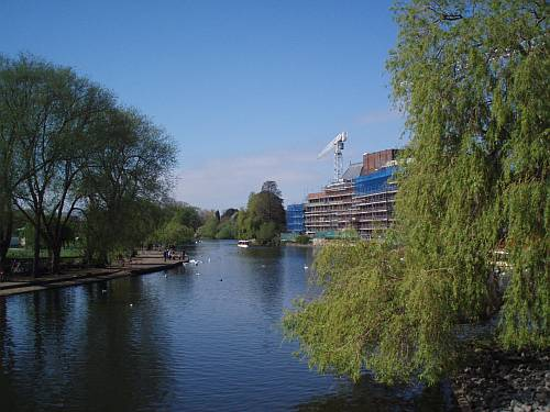 stratford upon avon england spring river avon royal shakespeare theatre 2009 roadsofstone