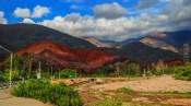To βουνό με τα επτά χρώματα