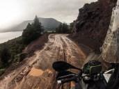 Αφήνοντας τη λίμνη Lacar