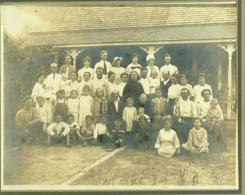 Luker Family Reunion 1916