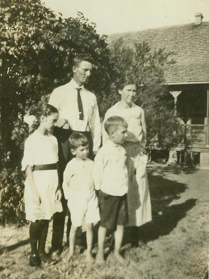 Frank Easley family in the 1920s