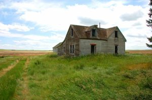 Abandoned homestead near Little Bow Provincial Park