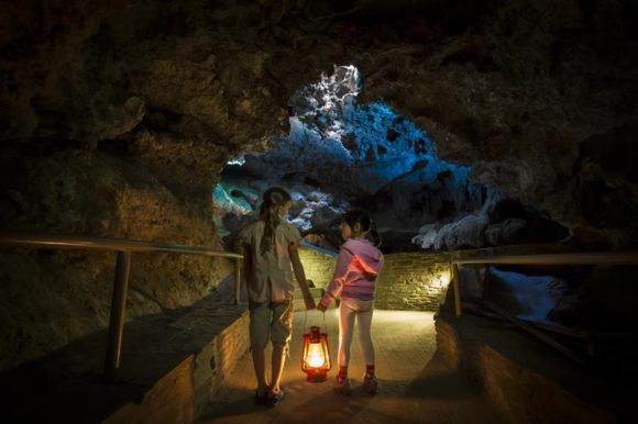 Cave-and-Basin-National-Historic-Site-credit-Parks-Canada-Graham-Twoney