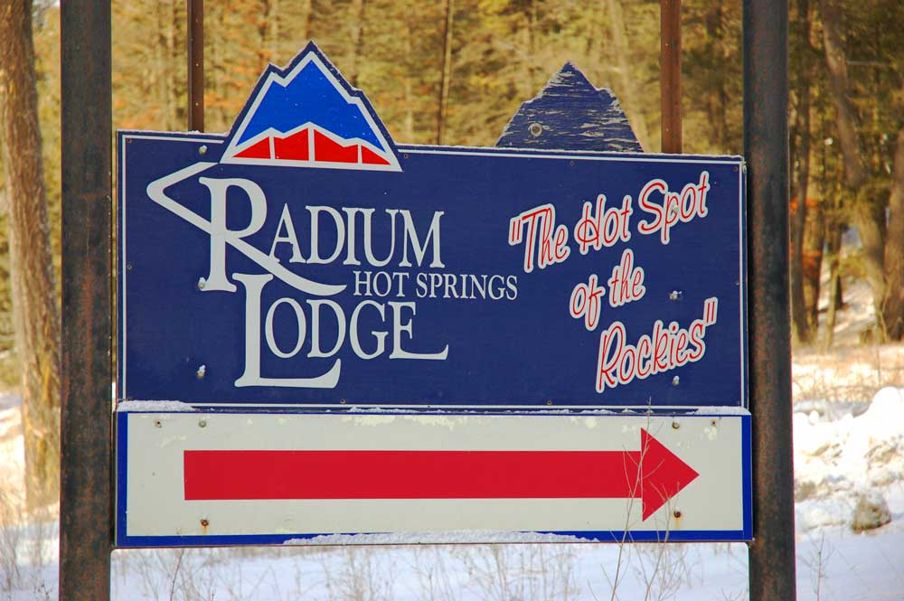 Radium-Hot-Springs-Lodge-old-sign