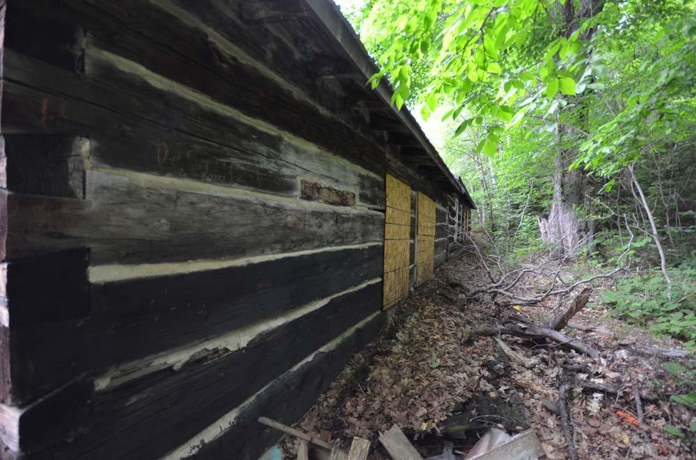 Al Capone hideout cabin in Quadeville Ontario