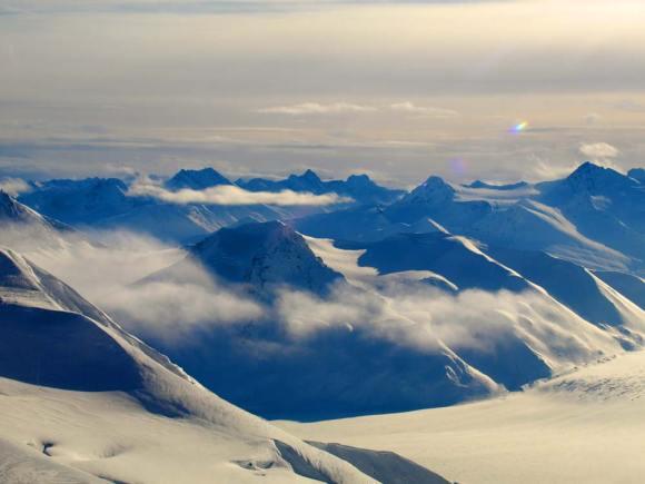yukon-winter-mountain-tops
