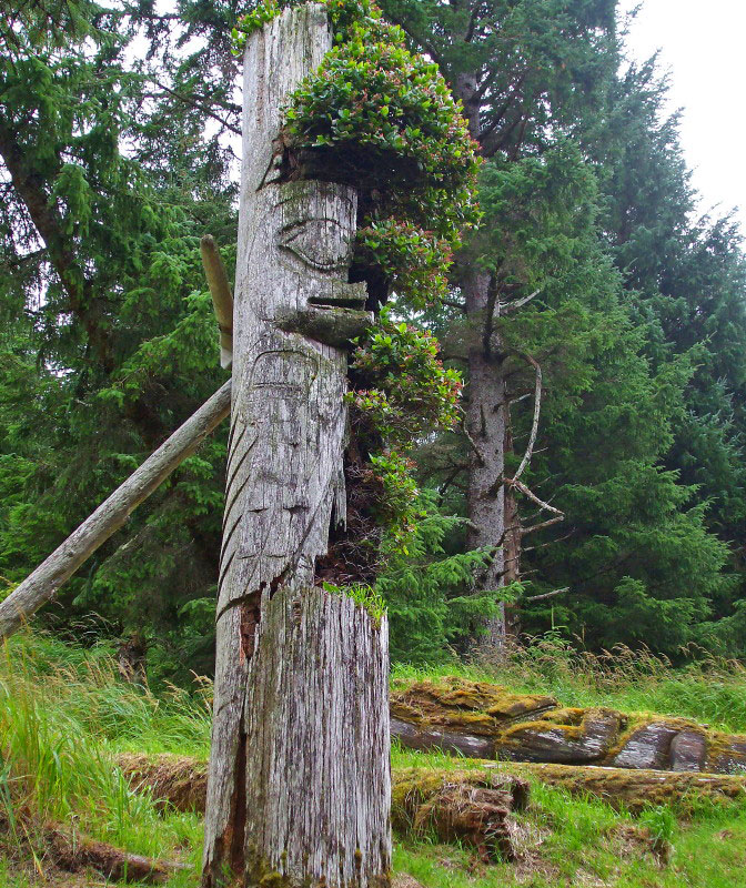 Haida Gwaii totem poles