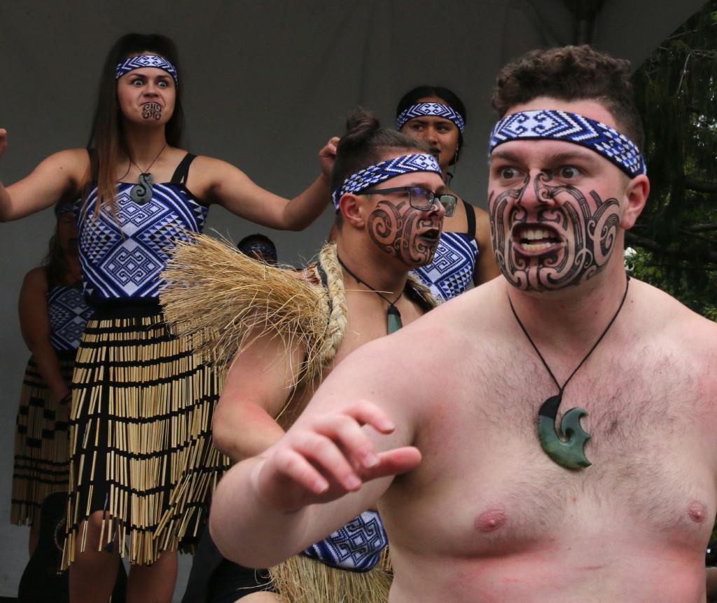 He Waka Kotuia Dancers aboriginal cultural