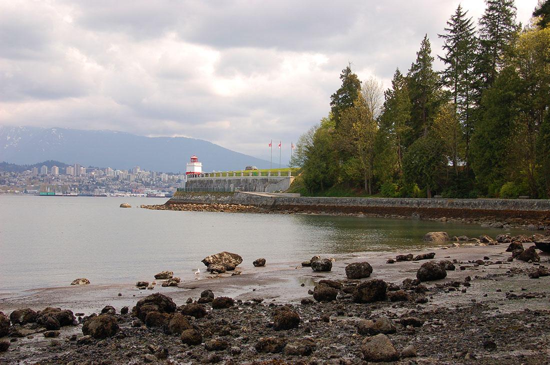 Stanley Park Vancouver trails
